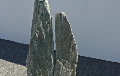 Zweiteiliger Grabstein